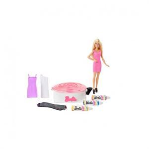 Barbie gira y diseña el vestido Mattel 10DMC